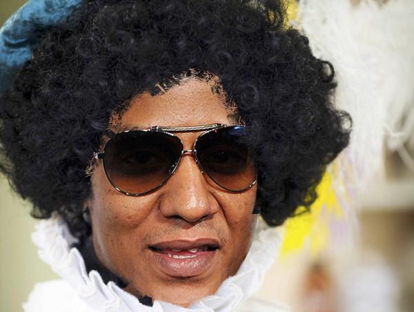 2012-11-15 Zwarte Piet wordt geschminkt. Hoe zwart mag zwarte piet zijn? (Foto:GPD / David van Dam)