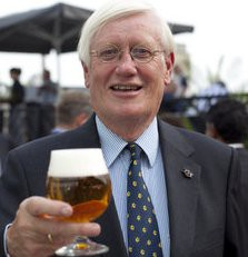 hans-wiegel-met-bier